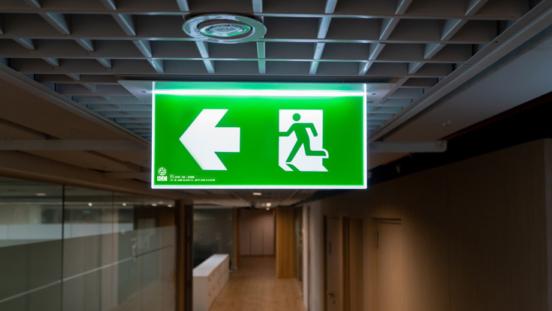 Señalización contra incendios. ¿Qué son las señales de evacuación y extinción?