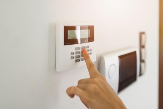 Cómo distinguir los signos de una estafa en los sistemas de protección de tu hogar